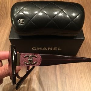 💯 % Authentic Chanel sunglasses